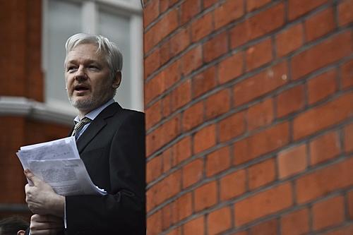 Waters, Lula e outras personalidades participam de evento pela liberdade de Assange