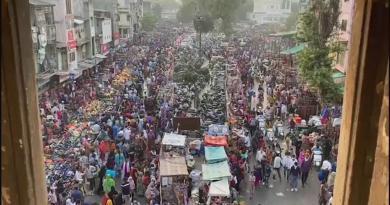 Índia teme que contágio aumente com a festa das luzes