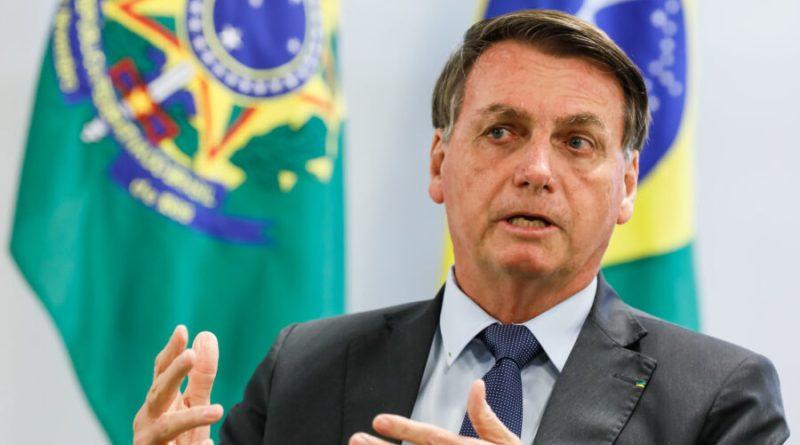 Bolsonaro critica home office de presidente da Petrobrás: 'Há 11 meses sem trabalhar'