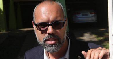 Desembargador manda YouTube reativar canal de blogueiro bolsonarista