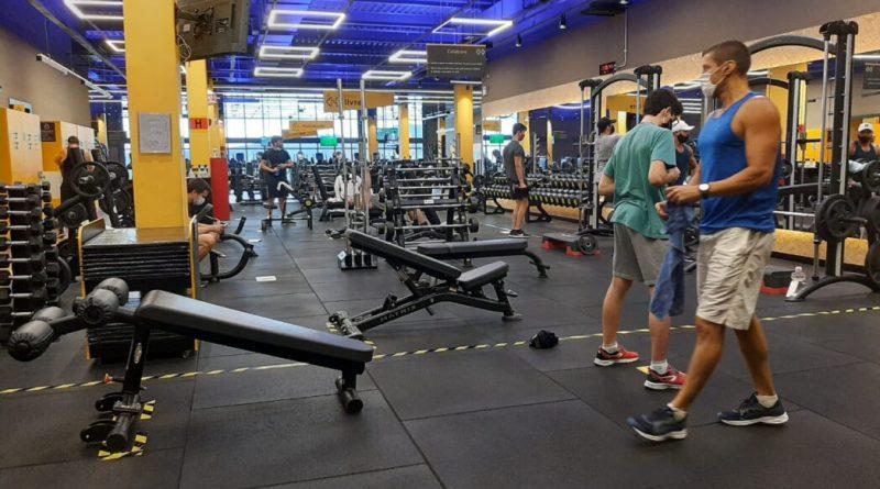 Exercícios físicos podem ajudar no tratamento da fibromialgia   ViDA & Ação