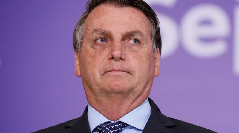 """Governadores devem custear o auxílio se """"fecharem"""" os estados, diz Bolsonaro"""