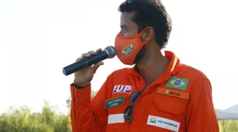 Entidades protestam contra Petrobras por suspender líder sindical