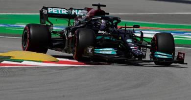 Com Hamilton na frente, Mercedes faz dobradinha no segundo treino livre para GP da Espanha