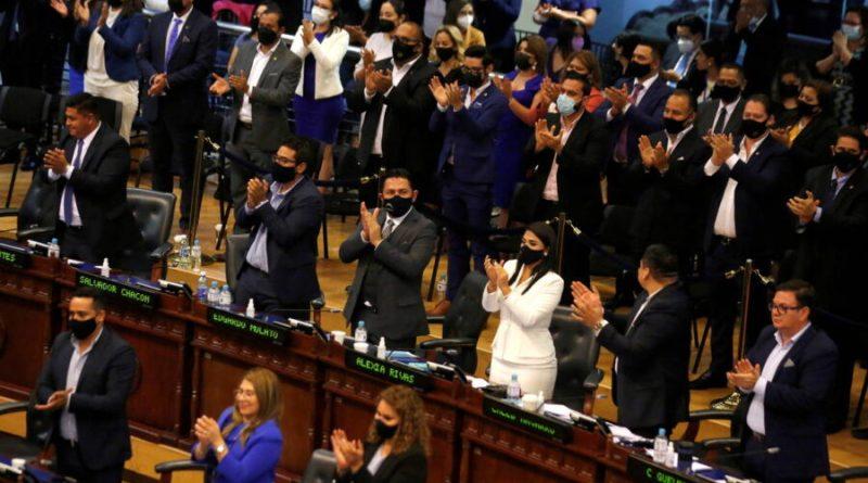 Com maioria governista, novo Congresso de El Salvador remove juízes da Suprema Corte