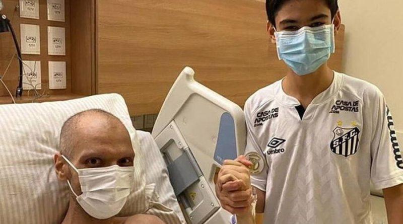 Covas mantém sangramento no estômago e faz radioterapia, diz boletim