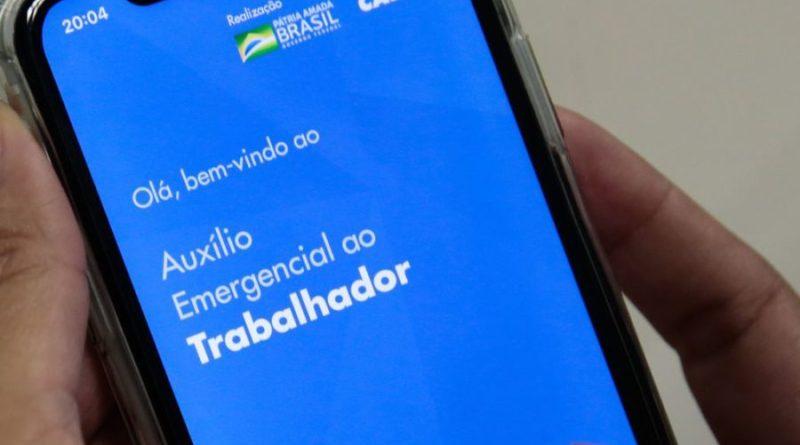 Governo deve incluir 5 milhões no auxílio emergencial com 'sobra' de recursos e crédito de R$ 1 bi