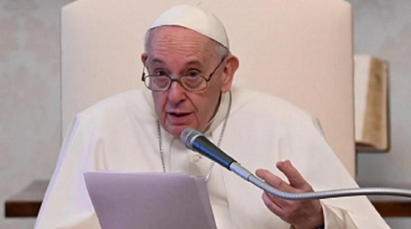 Papa pede apoio a trabalhadores prejudicados durante a Covid   Hora do Povo