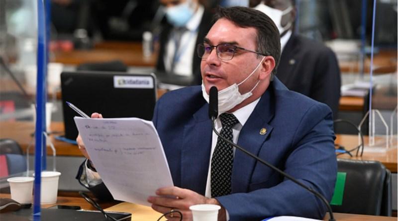 Flávio Bolsonaro ocupa vaga aberta por Ciro Nogueira. Randolfe pede sigilos do 'complexo empresarial' Precisa