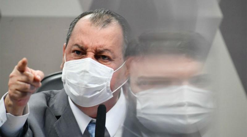 Bolsonaro manda PF intimidar CPI da Covid. Senadores reagem