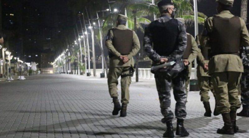 Bolsonaro vai dar R$ 100 milhões em subsídios para policiais financiarem casas com juros mais baixos