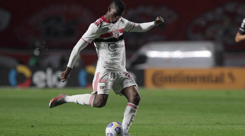Crespo espera contar com Orejuela para a partida contra o Ceará