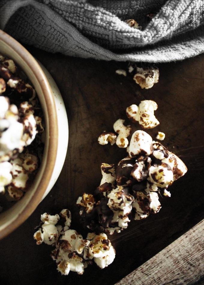 ChocolateMallowPopcornClusters1