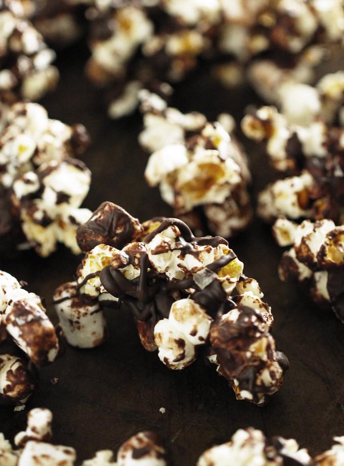 ChocolateMallowPopcornClusters2