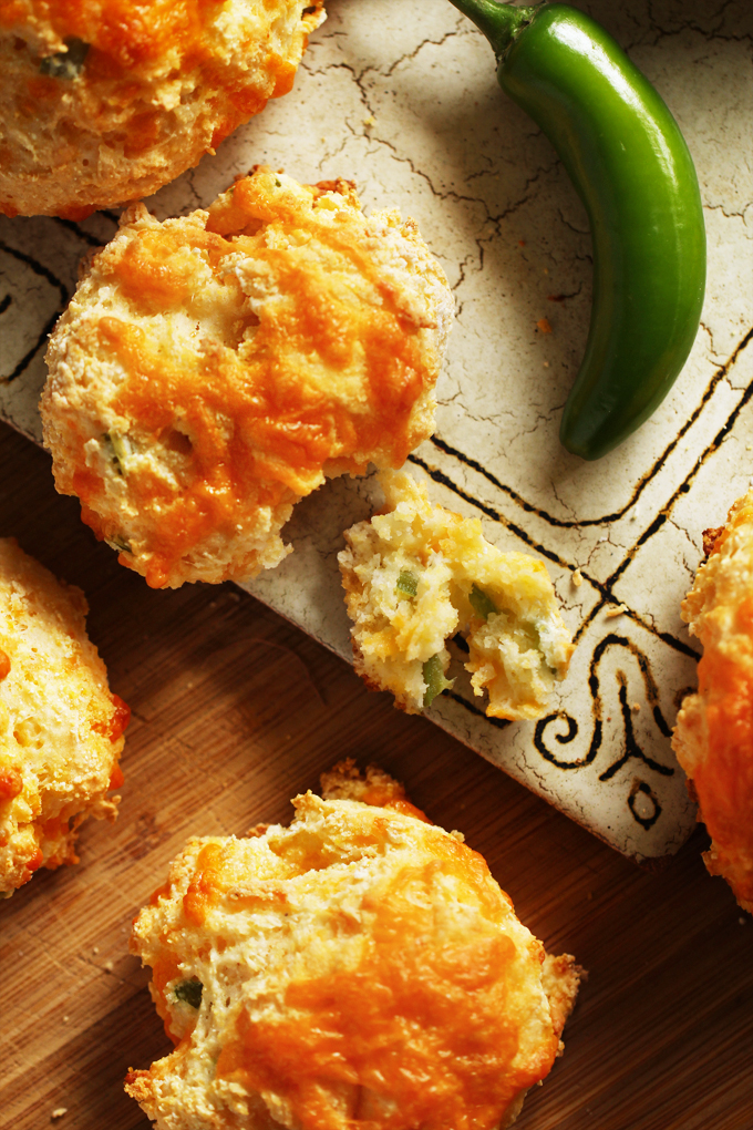 JalapenoCheddarBiscuits2