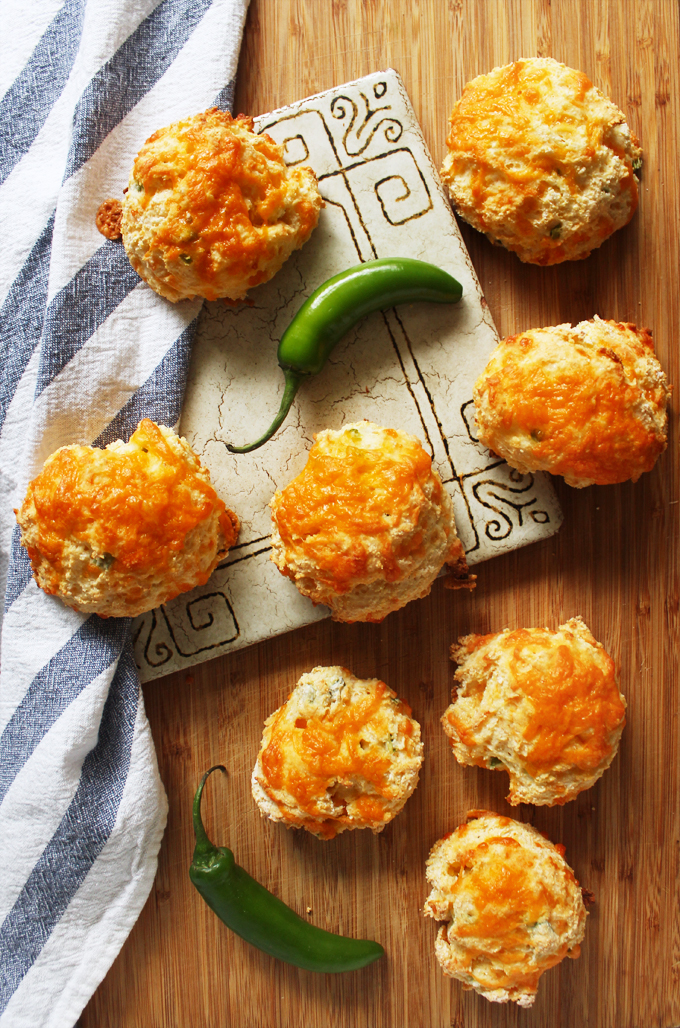 JalapenoCheddarBiscuits3