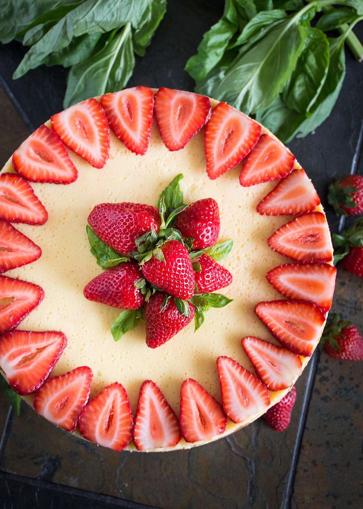 Strawberry Cake Recipe - NatashasKitchen.com |Strawberry Cake Decoration