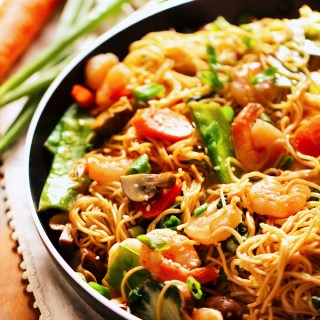 30-Minute Shrimp Lo Mein