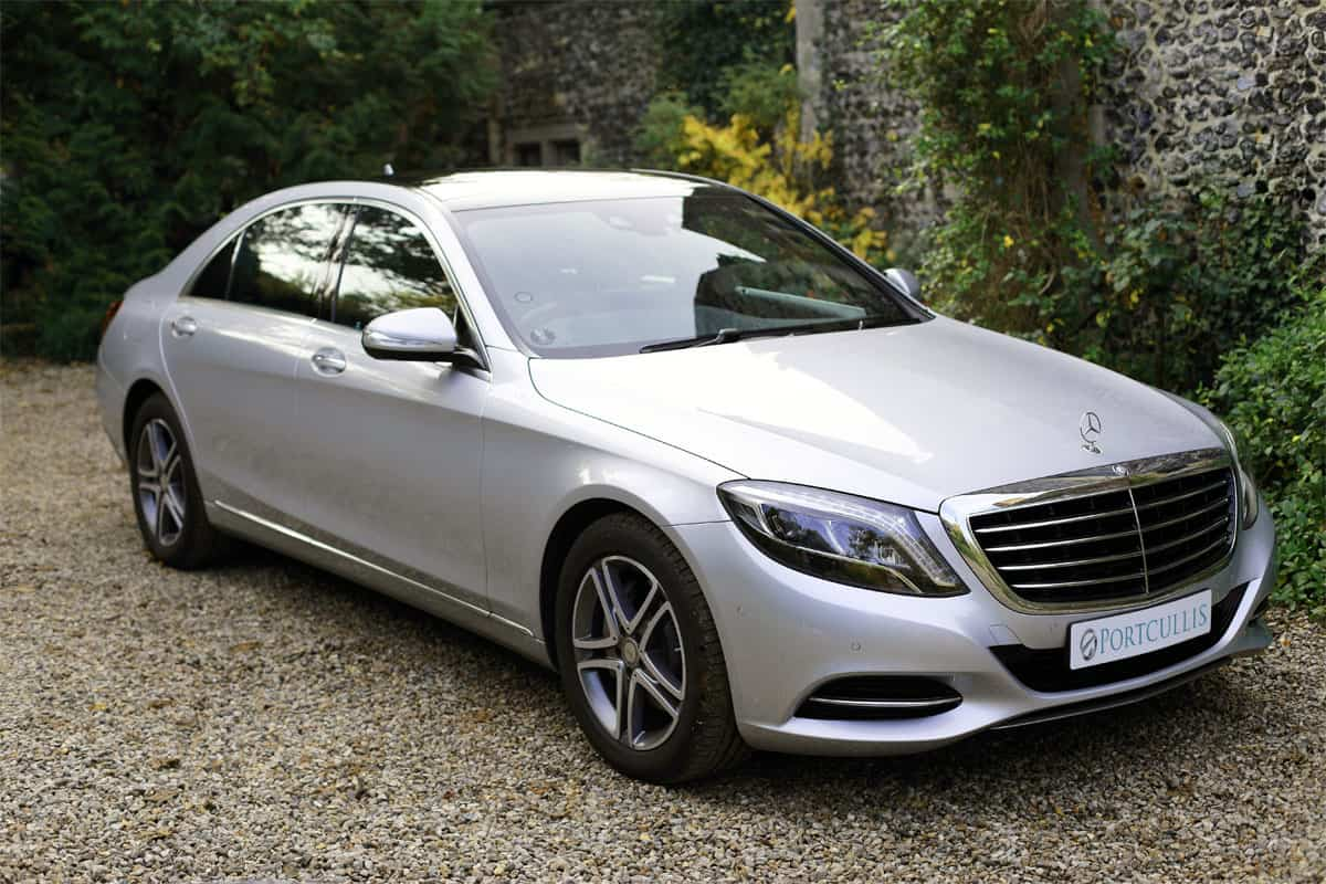 Portcullis Executive Travel | Mercedes Benz S-Class Chauffeured Car Exterior