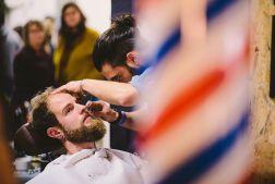 Coiffeur et Barbier brestois en action au Binz Market