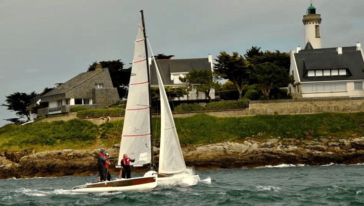 L'Odyssée suit la côte