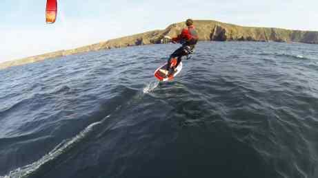 Il faudra bientôt un brevet de pilote pour faire du kitesurf ©Bruno Sroka