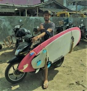 Un surftrip en scooter à Bali