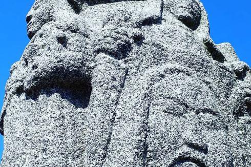 Statue en granite Rocscoff