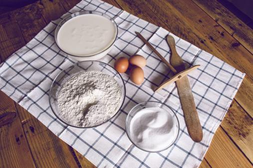 Réussir la recette de la pâte à crêpes commence par les bons ingrédients.