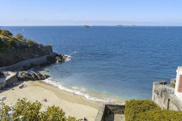 Se promener au bord de la mer à Dinard