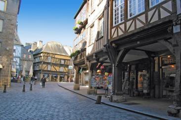 Les magasins dans la ville de Dinan