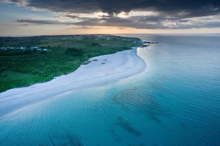 Plage concave sur l'île de Groix