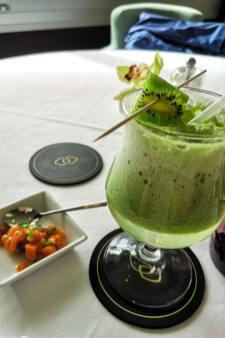 Cocktail sans alcool au kiwi, servi au restaurant Le Delight au Sofitel de Quiberon