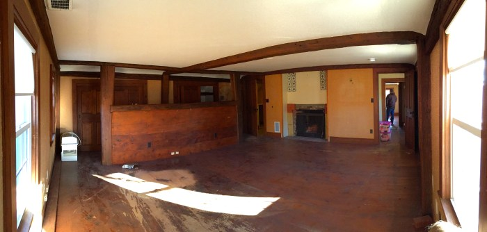 Panoramic of Master BR from outside corner