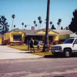 2000's California town