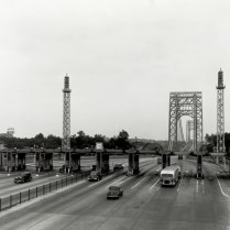 Traffic volumes rose steadily from the time the bridge opened, and by the mid-1950s, a second deck was needed.