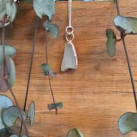 Mermaid tail shaped seaglass, set in silvershaped