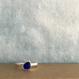Deep blue seaglass ring made by Mari in Seaglass Sessions.