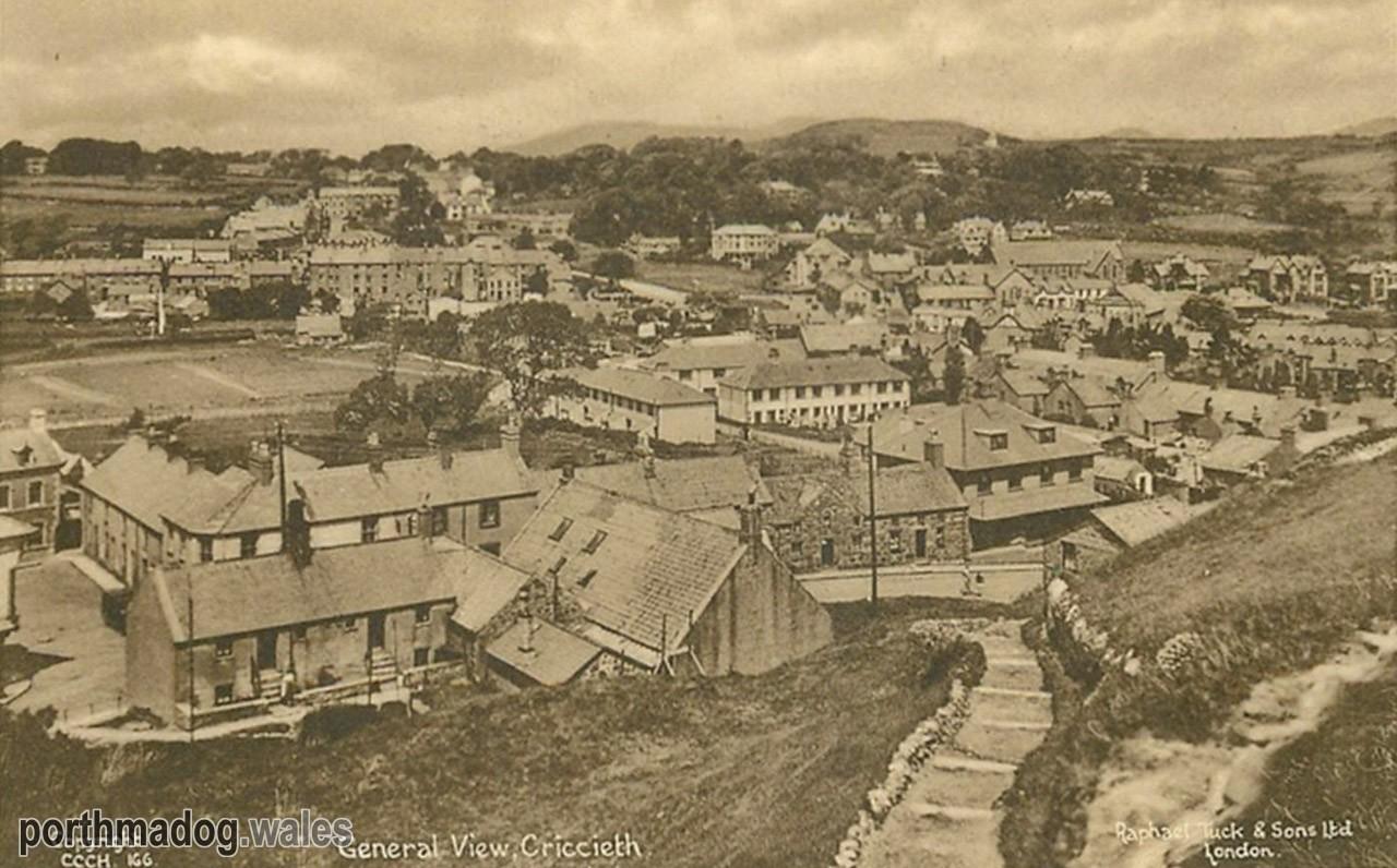 Postcard of Criccieth (General View)