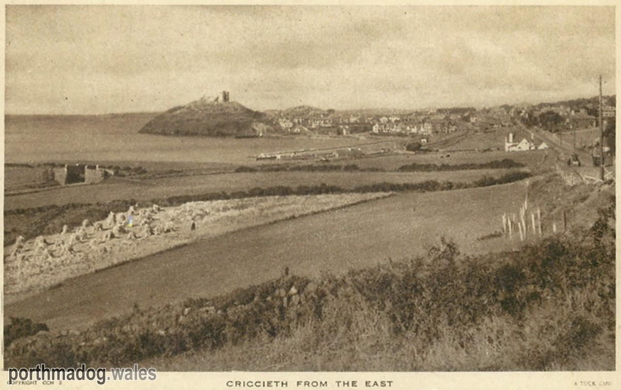 Postcard of Criccieth (From the East)