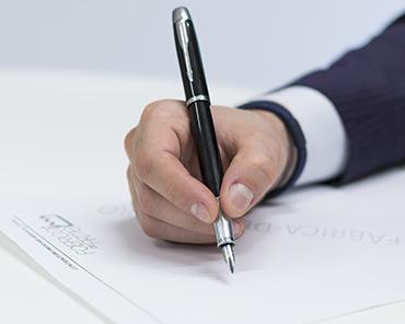 Înființare firmă SRL sau PFA? Avantaje și dezavantaje