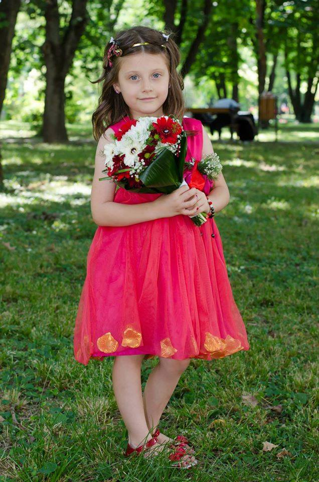 Și micile fetițe pot fi prințese - Low cost flower girl dresses