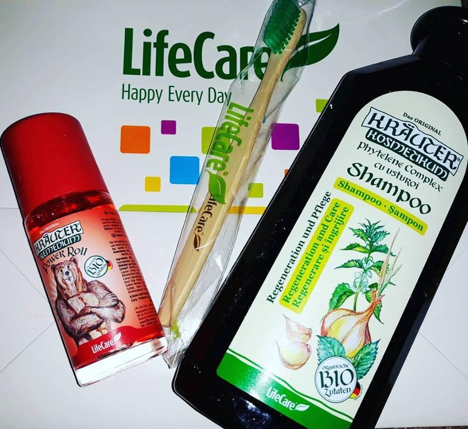 Regenerarea părului cu un șampon cu usturoi Life Care, o durere de spate și un urs