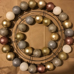 ornament wreath step 1