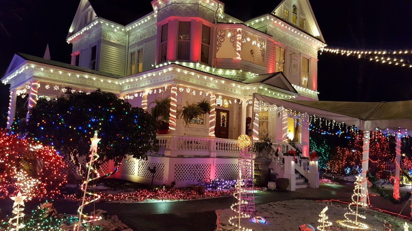 2020 Miracle of a Million Lights at the Victorian Belle   Portland