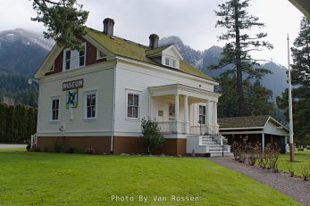 Cascade Locks Museum building. Closed during the winter.