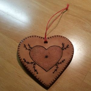 Heart-Shaped Pyrography Vegetable Tanned Leather Christmas Ornaments
