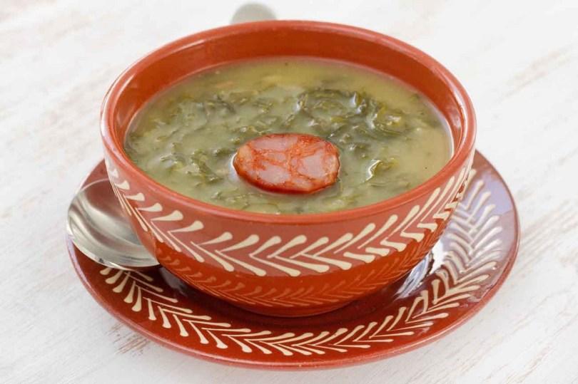 Caldo Verde - Soupe de choux vert traditionnelle - Nord Portugal et Porto