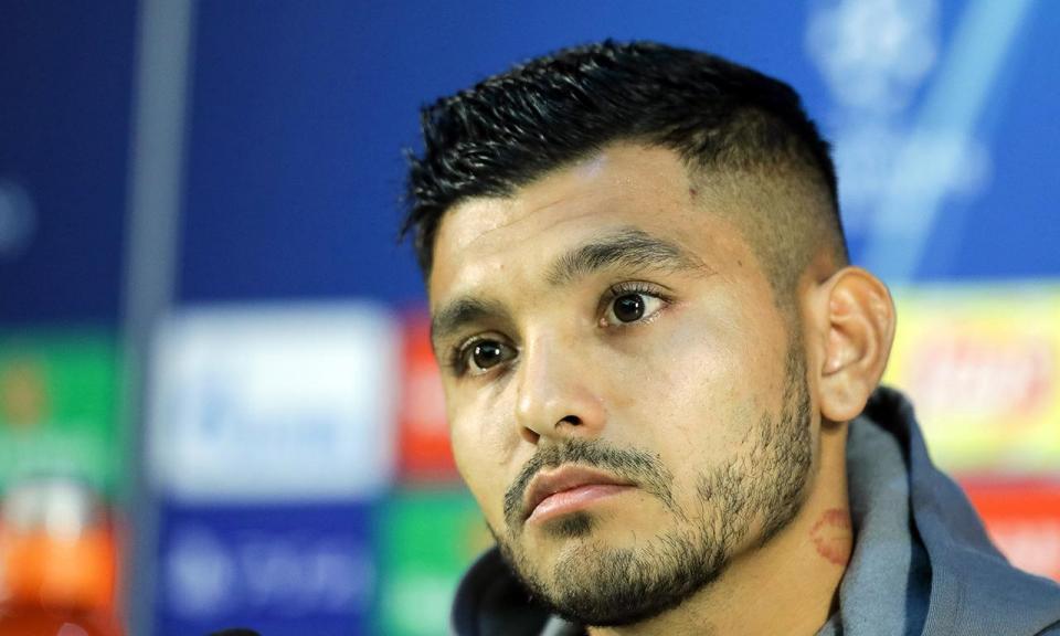 Jesus Corona falha jogo com a Roma por castigo da UEFA