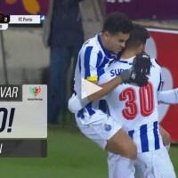 Evanilson entra e marca o golo que salva o FC Porto da eliminação